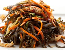 seaweed carrot avocado salad